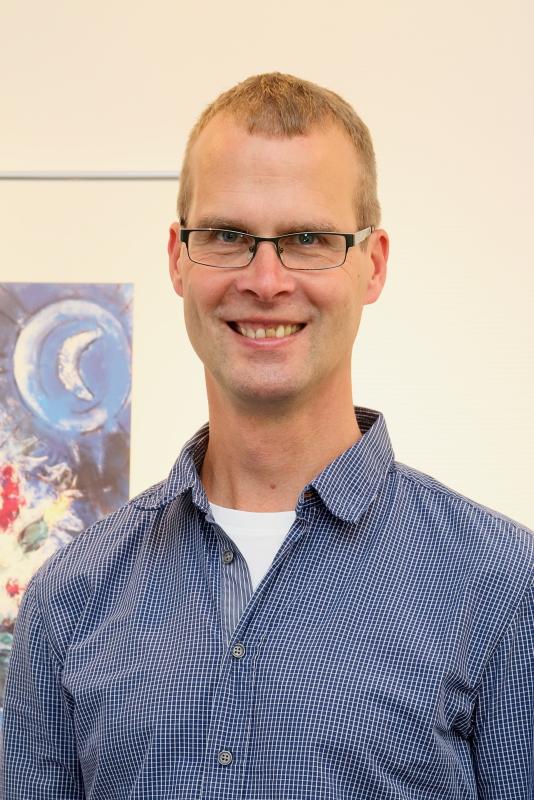Dr. Dirk Nave in der Praxis.